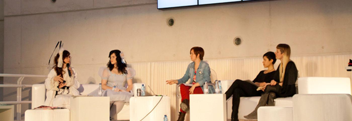 Sobre cómo fue la mesa redonda sobre la influencia de Japón en la moda y el diseño