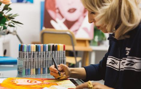 Rebeca Khamlichi, una artista de pasiones y colores