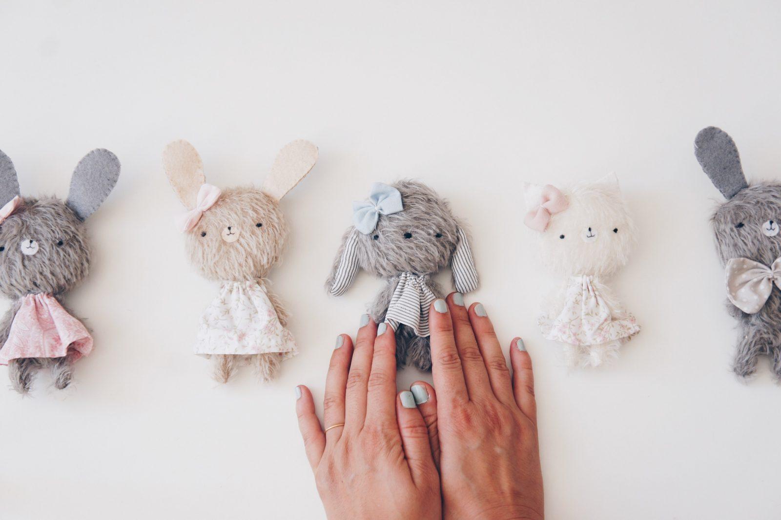 Muñecos y peluches lerele