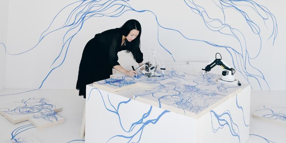 Robots y naturaleza en el arte de Sougwen Chung